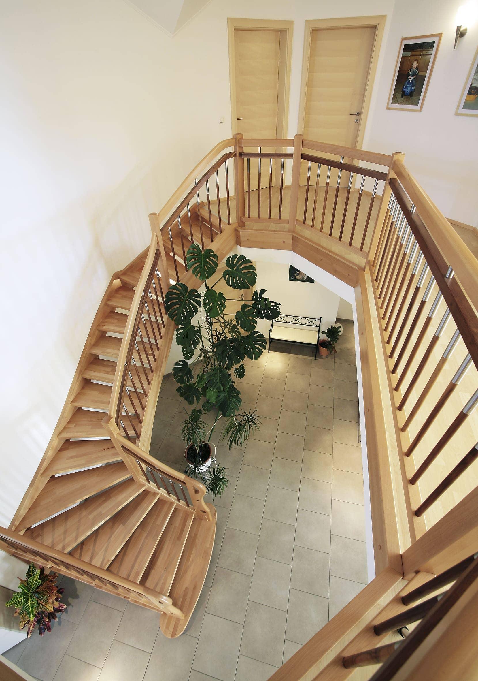 Klassische Holzstiege