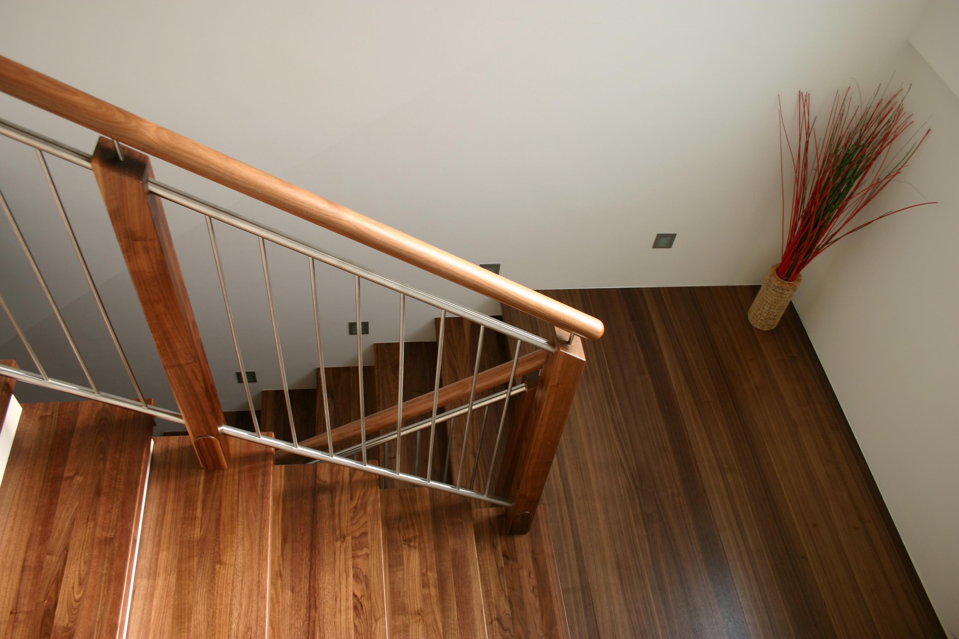 Geländer mit Niro oder Stahl